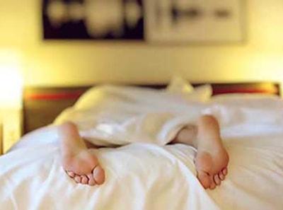 Miegojimas su kontaktiniais lęšiais