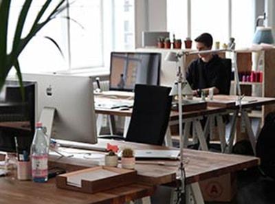 Kaip išvengti akių nuovargio ir išsausėjimo dirbant biure