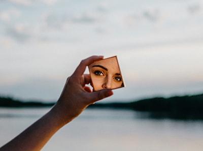 kontaktinių lęšių nešiojimas