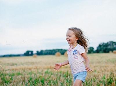 6 ženklai, kad jūsų vaikui laikas apsilankyti pas okulistą